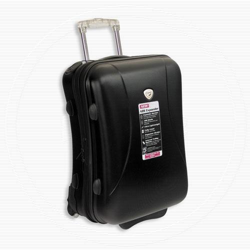 Легкий дорожный чемодан на колесах.Материал: твердый поли.